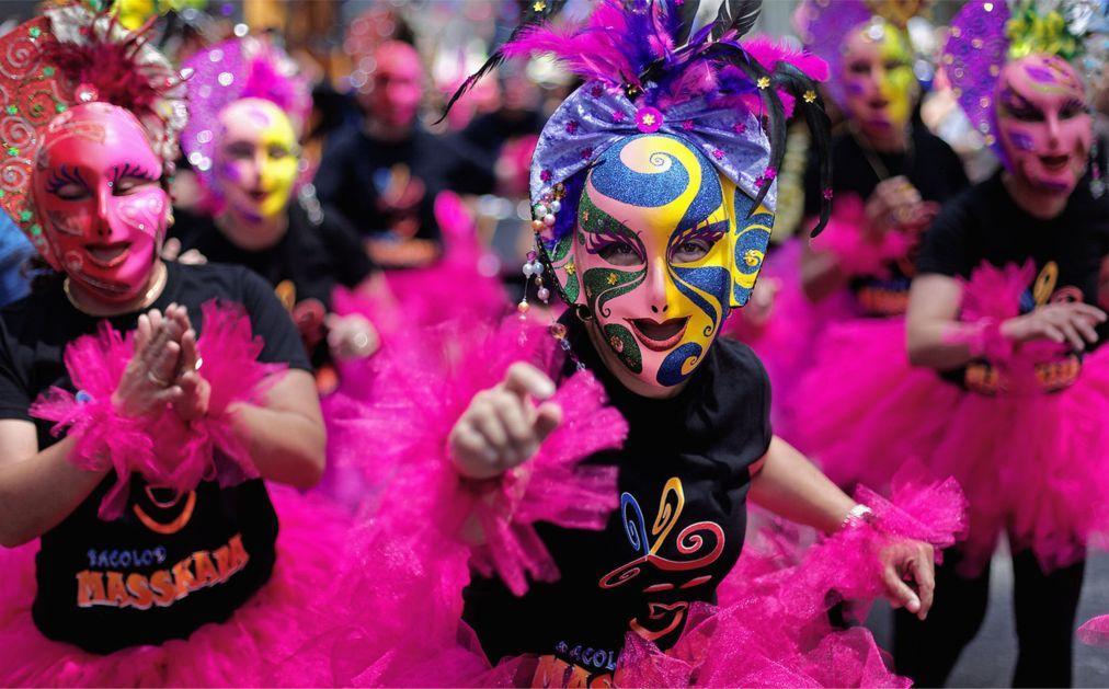 Латиноамериканский парад в Нью-Йорке d188566eaf9d2e6a217cc0f81a1178a8.jpg