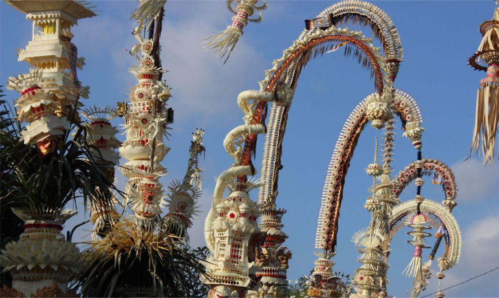 Праздник Пагервеси на Бали d1b74977ab3496e132df05be7372844e.jpg