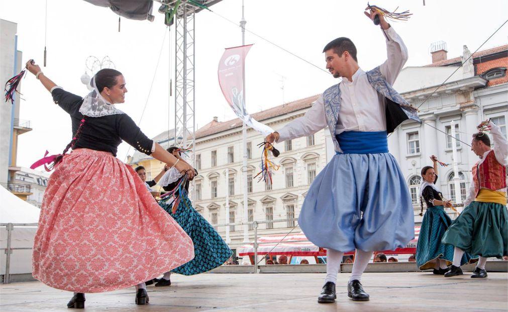 Международный фольклорный фестиваль в Загребе d5c57e56e5feda5a5387f5a182fdfc6f.jpg