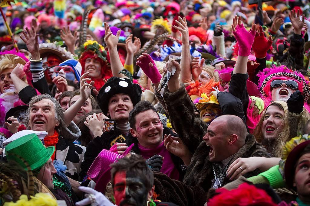Карнавал в Дюнкерке d5ed464c6abb7400a15f42681f14368d.jpg