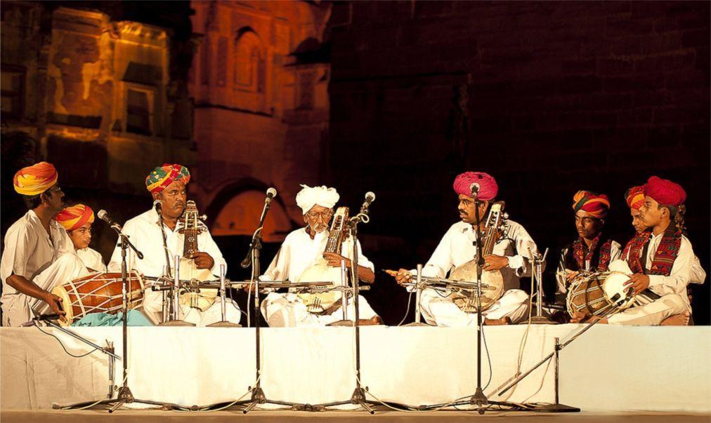 Раджастанский международный фолк-фестиваль в Джодхпуре d6665d8c13e2f7914c80725017d84682.jpg