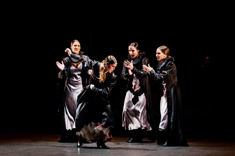 Биеннале фламенко в Севилье d872cd02df54c33851a4a4040cafd567.jpg