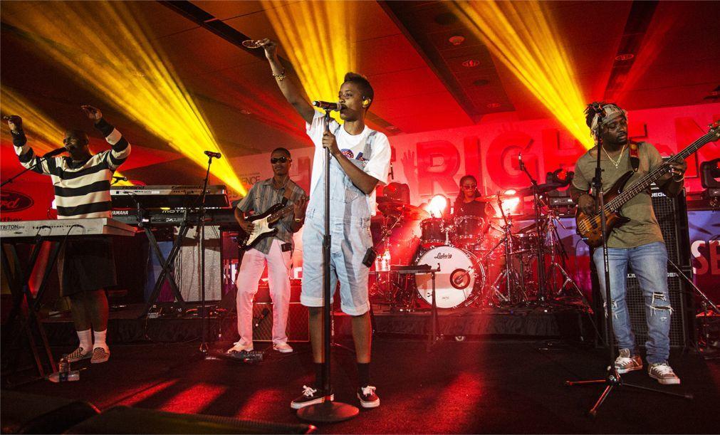 Музыкальный фестиваль Essence в Новом Орлеане d94292ddb85de7cdc1196dcef9efe194.jpg