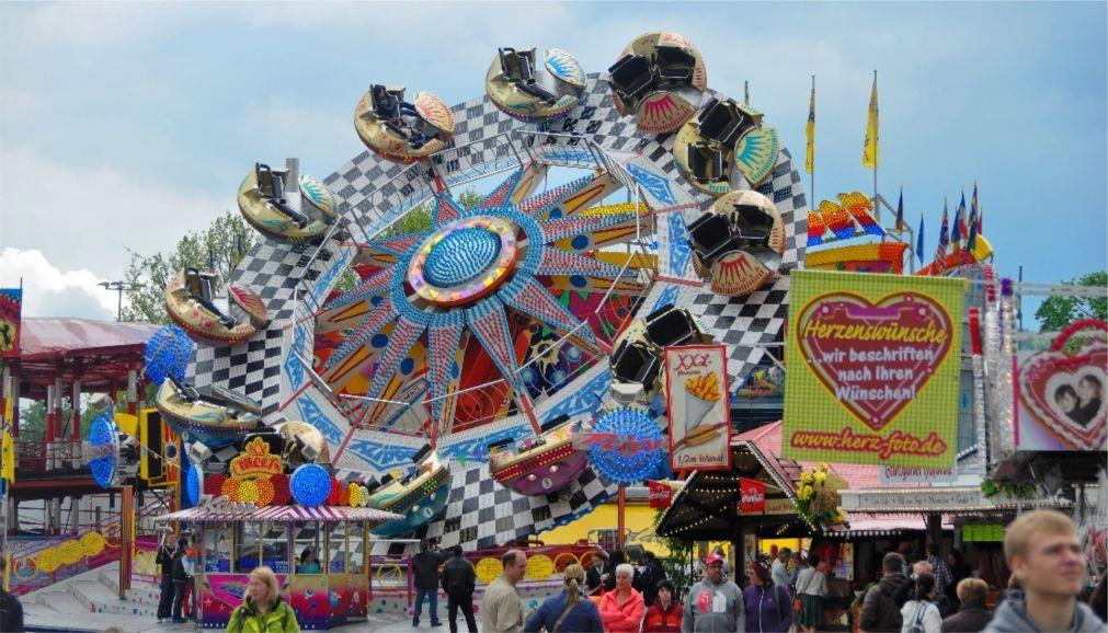 Весенний фестиваль в Штутгарте d98dd97bbe7321a4f8fd2816d6b325f6.jpg