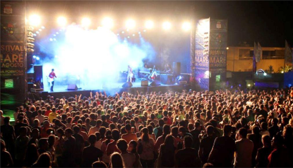 Музыкальный фестиваль «Mare de Agosto» на Азорских островах dc33968d104a0ebbaecdec0efcfa4140.jpg