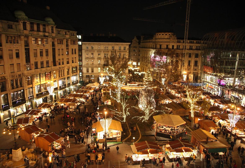 Рождественская ярмарка в Будапеште dc58fe9c09aa3f1b491077cd51868f57.jpg