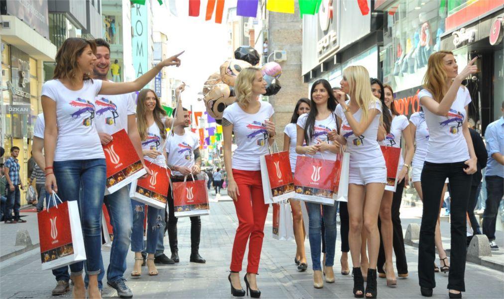 Фестиваль шопинга в Стамбуле dcb9300b0976b76c285173b6b34439ee.jpg