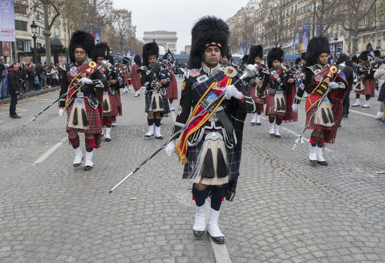 Новогодний Гран-парад в Париже dcf9ac0947775c3fd5710fec91249527.jpg