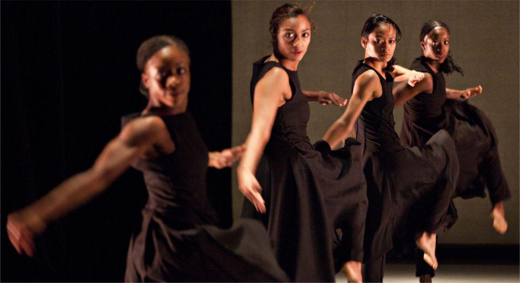 Международный театральный фестиваль в Тбилиси de80eef502b9074b003bcda755636401.jpg