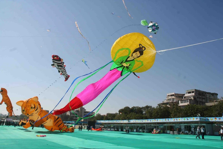 Международный фестиваль воздушных змеев в Ахмедабаде deedb242249ca9ce3d3d0bd5908258d4.jpg