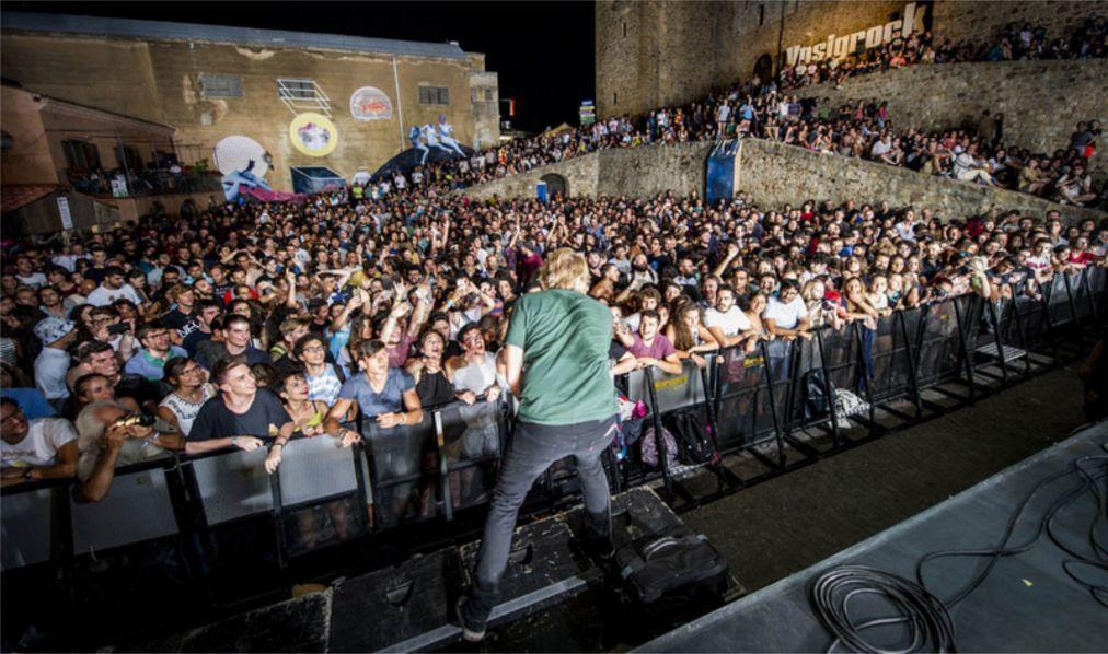 Музыкальный фестиваль «Ypsigrock» в Кастельбуоно df0d4255aaeb4231c1a39caee95108f6.jpg