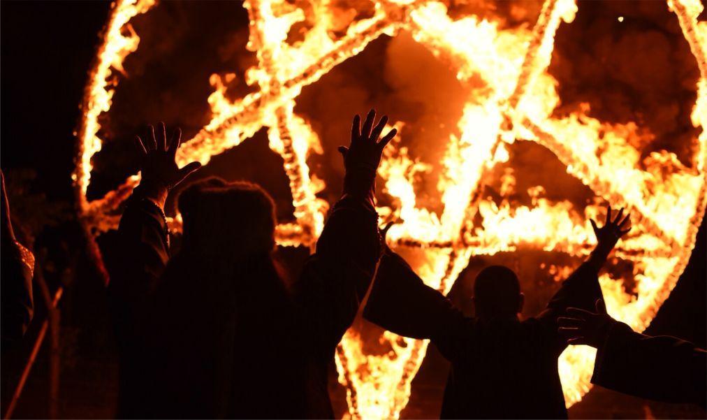 Фестиваль «Ночь ведьм» в Катемако e01daaa2fd5dde80e1f6c3d687d15a41.jpg