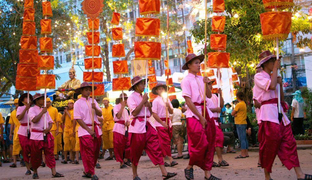 Фестиваль короля Нарая Великого в Лопбури e058aa34dc3a7af4f052294e699c3a91.jpg
