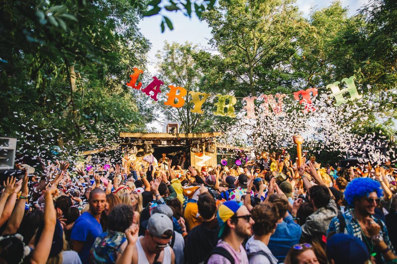 Музыкальный фестиваль Secret Garden Party в Хантингтоне e0ce60545a9d38de45e190fb1ce812e7.jpg
