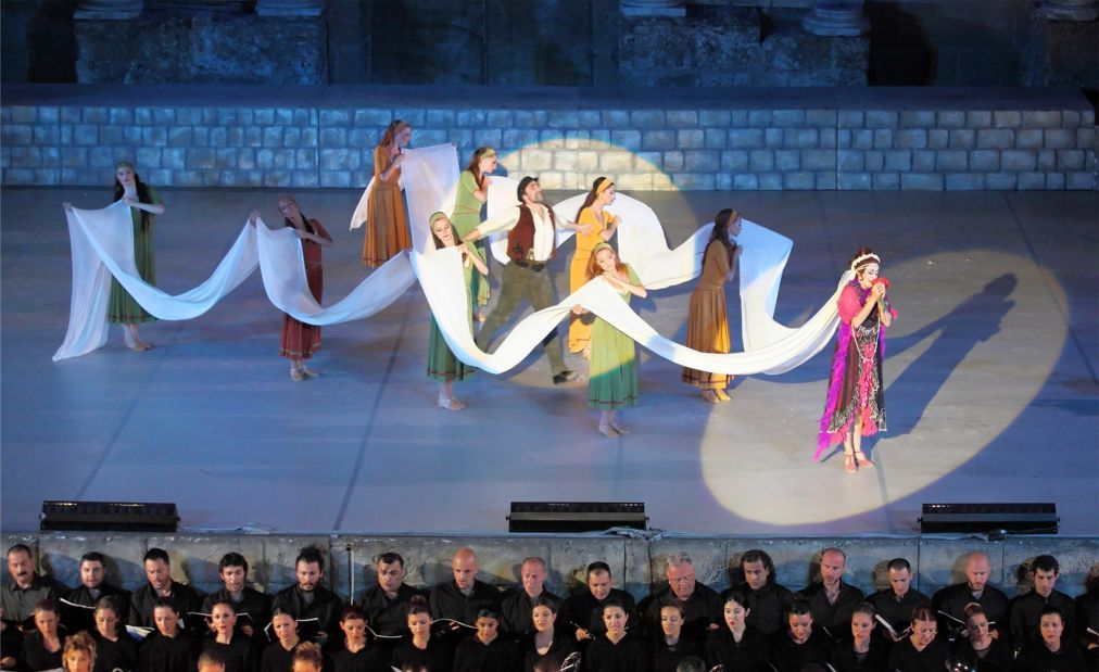 Международный фестиваль оперы и балета в Аспендосе e6a3460d0ba3258a5c2aa313047ae663.jpg