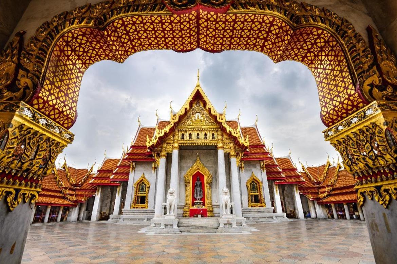 Новогодние молитвы в буддийских храмах Бангкока e6a926002bca08159db84130f509df24.jpg