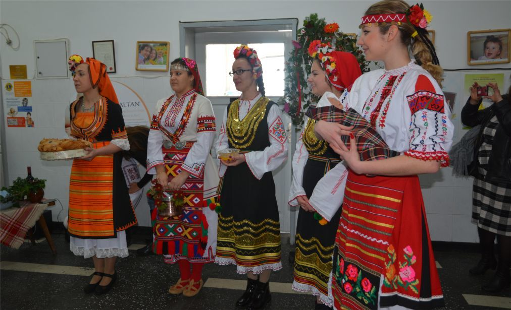 Бабий день в Болгарии e8bdf2f06cb79441a89154f14cf0452a.jpg