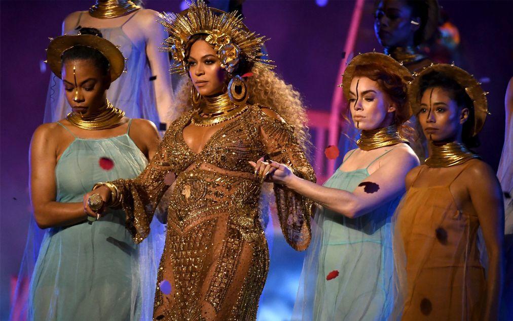 Церемония вручения премии «Грэмми» в США e9588ed407001e738bd5f05e45f57779.jpg