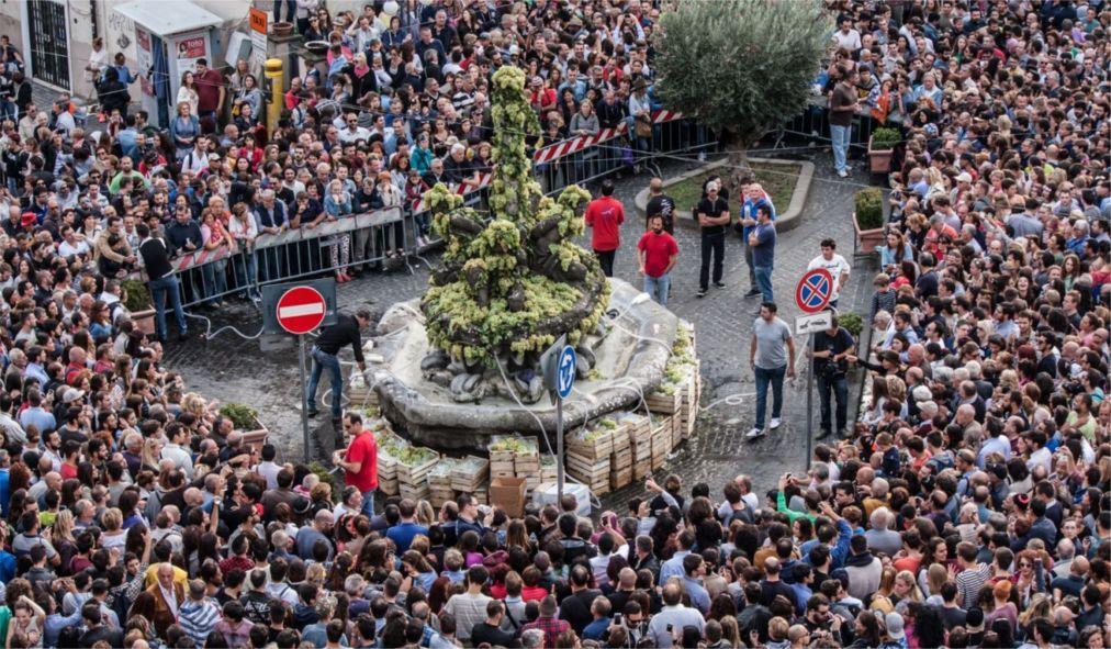 Праздник вина Sagra dell'Uva в Марино ea3f0db1574d26a7c2448f221f7116b6.jpg