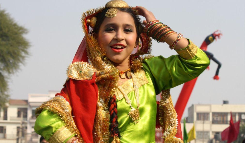 Фестиваль Гита-Джайанти в Курукшетре ee094f45ac73ed264ea3b1727a9cf98f.jpg