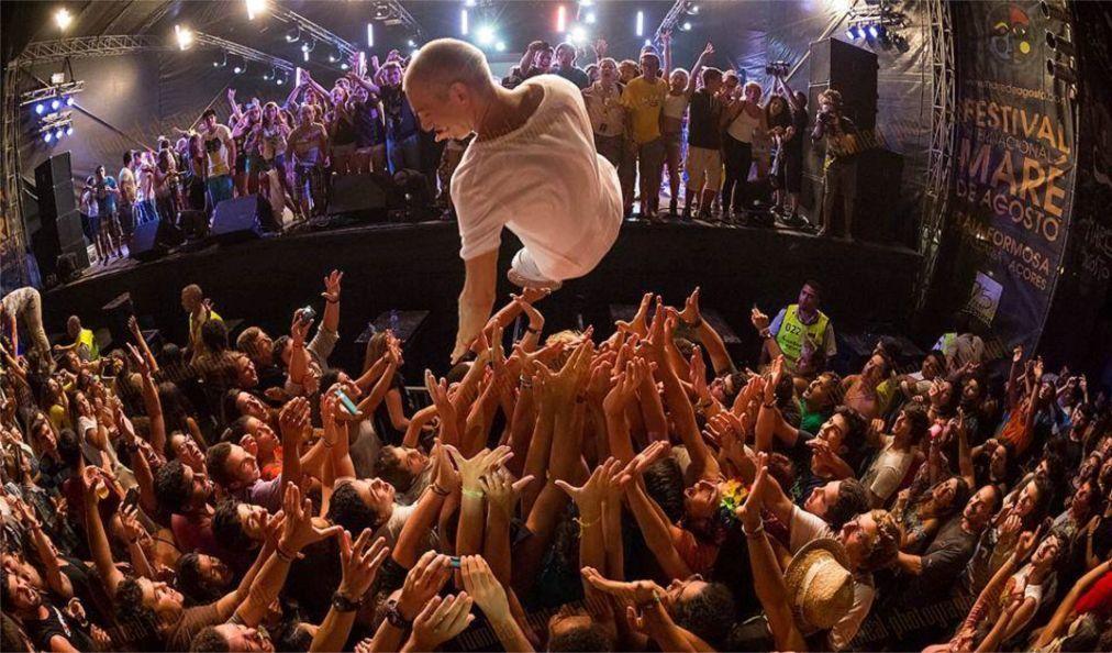 Музыкальный фестиваль «Mare de Agosto» на Азорских островах eea82ac6092d5834fd15645250612449.jpg