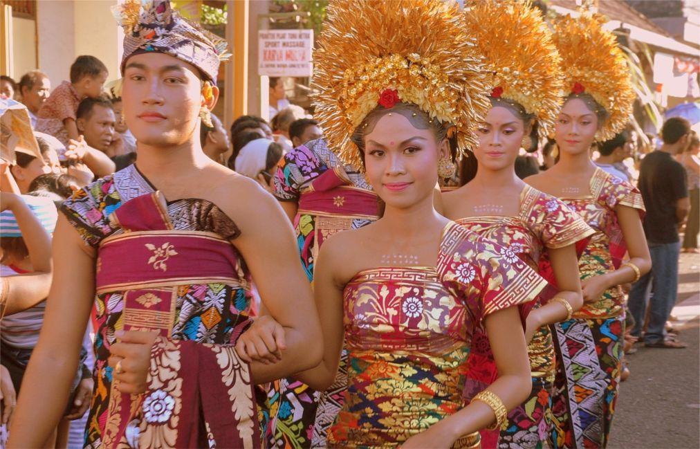 Фестиваль искусств Бали в Денпасаре efb964e96a1eb73b8ca55e1d4a125d81.jpg