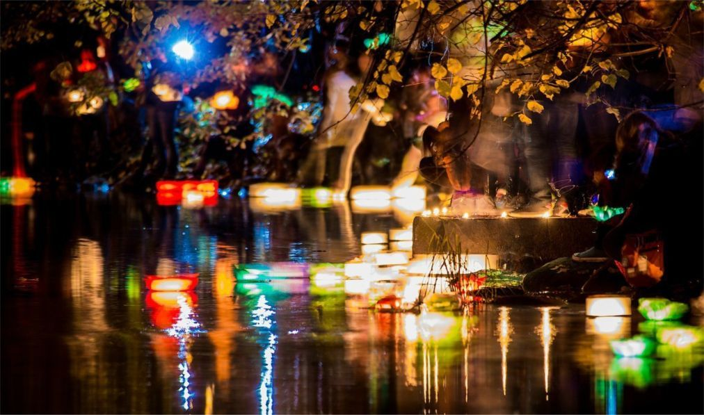 Фестиваль водных фонариков в Санкт-Петербурге f1a04b4e2e53c110e370cfd38bc5c1e6.jpg