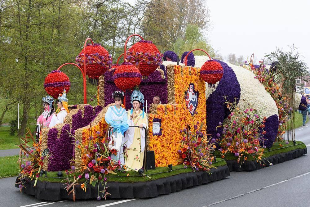 Парад цветов Bollenstreek в Нидерландах f21fbdebff15eae6876ce7f773c43c72.jpg