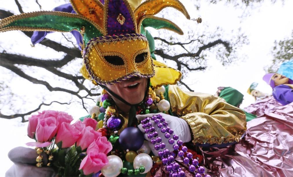 Карнавал Марди Гра в Мобиле f242b6eb27f90a04464d6d3ce3a94093.jpg