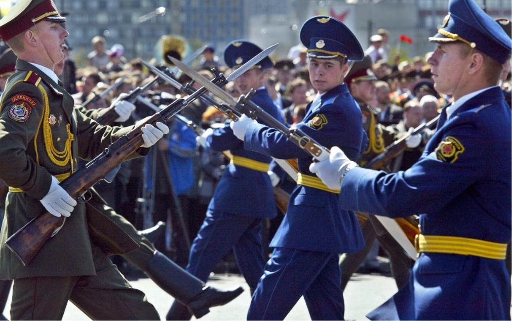 Парад на День Независимости в Минске f2c78a28ad8a363d197c6c6605d09d8e.jpg