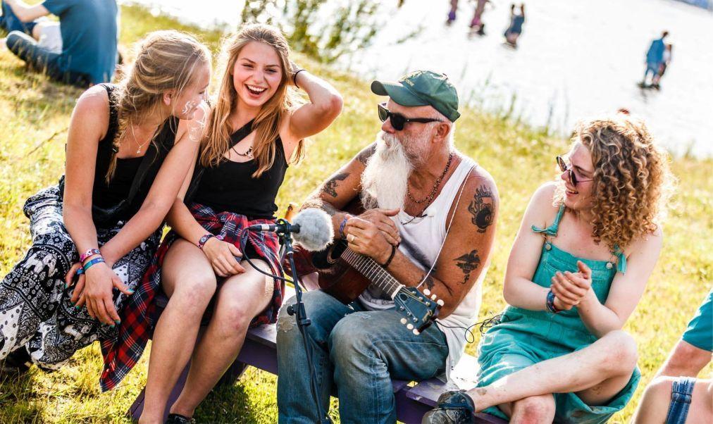 Музыкальный фестиваль «Down The Rabbit Hole» в Бёнингене f32b8c74b6c26539e5dd477bdb1068f4.jpg